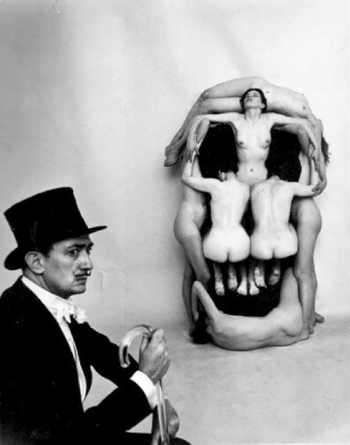 salvador-dali-women-skull-Philippe-Halsman