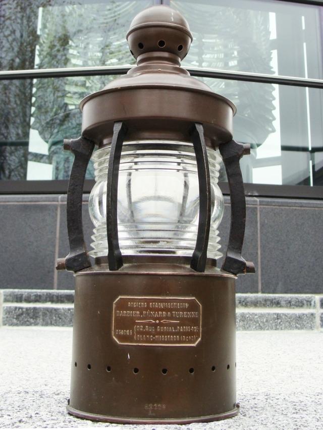 brass_lantern_barbier_benard__turenne_paris_france_fresnel_lens_lg